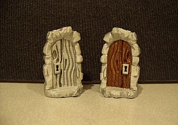 Wooden Dungeon Door Miniature with Lock & Wooden Dungeon Door Miniature with Lock - EWM82